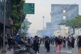 Polisi tembakkan gas air mata untuk bubarkan massa aksi di Simpang Harmoni