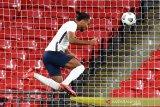 Gol debut Inggris untuk  Calvert-Lewin naik kelas