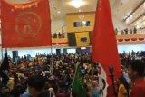 Aliansi pemuda dan mahasiswa duduki ruang paripurna DPRD Sulbar