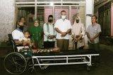 Pemkab Pringsewu berikan bantuan korsi roda