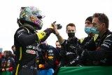 Podium perdana Ricciardo persembahan tato untuk bos Renault