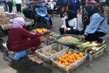 Ivo Sugianto Sabran serap aspirasi kaum perempuan di pasar tradisional