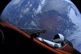 Tesla Roadster dekati planet Mars untuk pertama kalinya