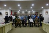 Gubernur Sulut-organisasi mahasiswa berdialog bahas UU Cipta Kerja