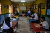 Survei: 76 persen guru merasa khawatir kembali ke sekolah