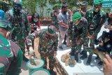 Danrem 143/Halu Oleo ingatkan personel TNI netral di Pilkada