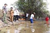 Musi Banyuasin jalankan program padat karya, libatkan puluhan warga bersihkan Danau Siarak
