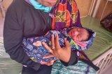 Bayi lengkap dengan ari-ari ditemukan warga di tempat jual buah Desa Jorok Utan