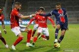 Dua gol Mbappe antar PSG kalahkan Nimes