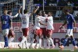 Lyon menundukkan Strasbourg 3-2