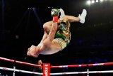 Teofimo Lopez taklukkan Lomachenko untuk raih empat mahkota ringan super