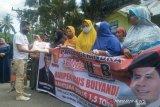 Seorang anggota DPRD Pariaman sumbangkan  hampir 100 persen gajinya kepada konstituen