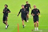 Juventus mengonfirmasi Matthijs de Ligt positif COVID-19