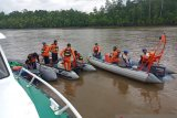 Satu penumpang perahu terbalik di perairan Mimika belum ditemukan