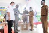 Bakamla ZMTh serahkan bantuan bahan pokok di Talaud