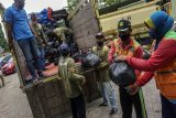 Bantuan paket sembako Bank Indonesia