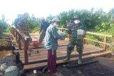 Keakraban Satgas TMMD Sampit dan masyarakat yang menginspirasi
