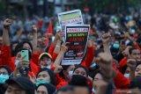 Demonstran diamankan di Surabaya semua negatif COVID-19