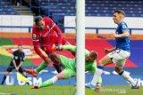 Henderson yakin Liverpool  punya kualitas untuk atasi absennya Van Dijk