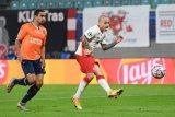 Angelino cetak dua gol untuk membawa RB Leipzig atasi Basaksehir 2-0
