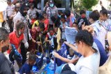 Dapur umum siapkan 2.700 bungkus untuk pengungsi kebakaran di Jayapura
