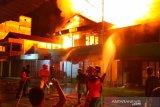 Kebakaran hanguskan enam ruko dan satu rumah di Kuala Pembuang