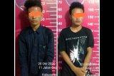 Pura-pura tolong dorong motor mogok, tahu-tahunya dua remaja ini rampas handphone bocah 14 tahun