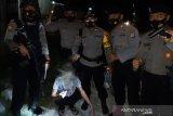 Polisi amankan lima orang bawa sabu dalam sebuah operasi di jalan raya Palu