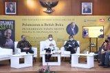 Dekan Faklutas Hukum Universits Pancasila (FHUP) Prof. Eddy Pramono, S.H., M.A meluncurkan buku Pengabdian Tanpa Henti dengan judul buku