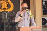 AKBP Sabana Atmojo berikan ponsel bocah viral jualan kue
