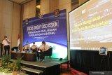 Sejumlah narasumber menghadiri Focus Group Discussion (FGD) di Surabaya, Jawa Timur, Kamis (22/10/2020). FGD yang digelar oleh PT Kereta Api Indonesia (Persero) bersinergi dengan Komite Nasional Keselamatan Transportasi (KNKT) membicarakan tentang Peningkatan Keselamatan di Perlintasan Sebidang. Antara Jatim/Didik/Zk