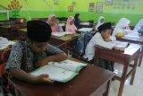 Hari Santri siswa gunakan busana muslim