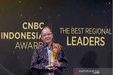 Gubernur Sulawesi Tengah terima Penghargaan CBNC Indonesia Award