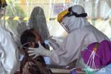 Ratusan guru di Kendari antisuas ikuti swab antigen COVID-19