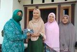 Pemdes Mandiri Luwu Timur bagikan masker gratis kepada warga