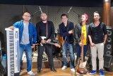 Grup band Sens aransemen ulang lagu