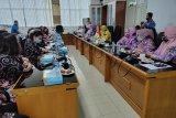 KPP Kalteng dan KPPI Kalsel tukar informasi serta pendapat