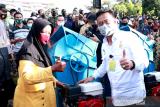 Mentan RI serahkan 10 unit alat mesin pertanian di Padang Pariaman untuk tingkat produksi padi