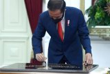 Presiden Joko Widodo resmikan Stasiun TVRI di Papua Barat