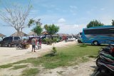 Pengunjung tidak bawa masker ke Pantai Kerang Mas dilarang masuk