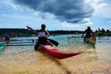 Manokwari menggelar lomba dayung tradisional bangkitkan pariwisata
