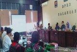 DPRD imbau masyarakat tempuh jalur hukum terkait permasalahan lahan