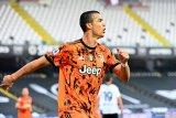 Dua gol Ronaldo, Juve menang besar 4-1