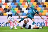 Zlatan Ibrahimovic sumringah gol akrobatiknya jadi penentu kemenangan Milan