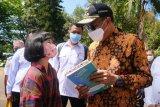 Gubernur serahkan buku karya anak Sulsel ke Presiden Jokowi