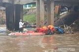 Mayat pria ditemukan di Kali Ciliwung diperkirakan sudah dua hari tewas