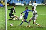 Leicester ke peringkat dua setelah menang 4-1