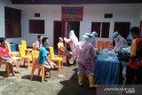 59 narapidana Lapas Padang jalani tes usap COVID-19