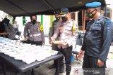 Peduli COVID-19, Brimob Polda Jateng gelar baksos di ponpes Purwokerto