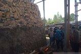 Bupati Jayawijaya luncurkan usaha pembuatan bata pertama